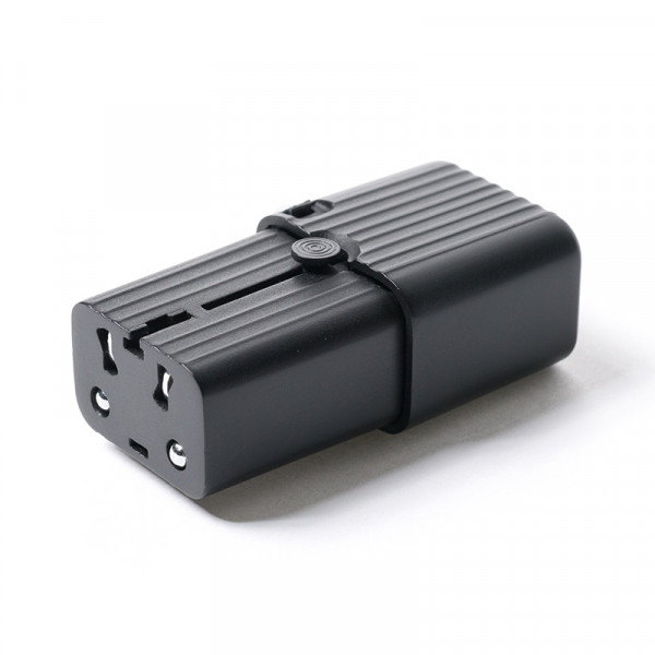 EVO Universal Travel Adapter 5 - Sneapy