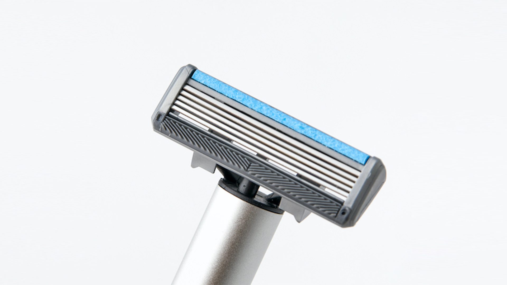 Manual & Electric 2-In-1 Shaver 28 - Sneapy