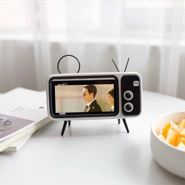Retro TV Smartphone Holder 1 - Sneapy