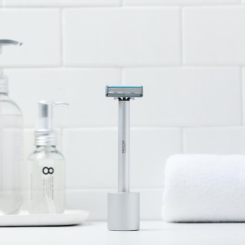 Manual & Electric 2-In-1 Shaver 1 - Sneapy