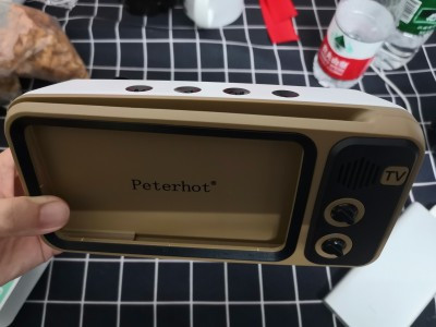 Retro TV Smartphone Holder photo review