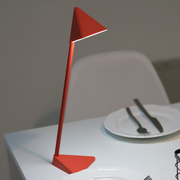 Triangle LED Lamp 1 - Sneapy