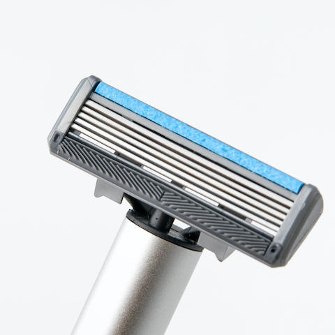 Manual & Electric 2-In-1 Shaver 7 - Sneapy