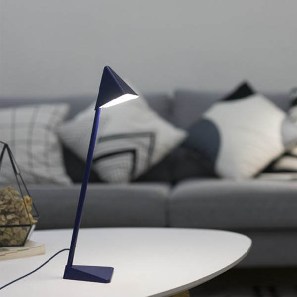 Triangle LED Lamp 4 - Sneapy