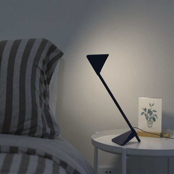 Triangle LED Lamp 3 - Sneapy